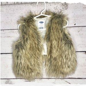 Faux fur girls vest size 2T